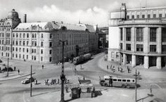 Bratislava, Old Street, Old Photos, Louvre, Street View, Travel, Times, Squares, Old Pictures