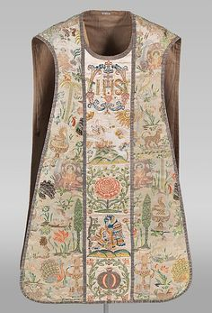Chasuble / еarly 18th century / Portuguese / Silk satin, brocaded with chenille and silk; Orphrey: silk satin, embroidered with silk and metal-wrapped thread