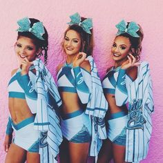 senior elite is going to win worlds I can feel itttt! AOTD: 12 turning 13 in a couple months! dm me questions for a featured QOTD (question of the day) ! Cheer Camp, Cheer Coaches, Cheer Dance, Cheer Picture Poses, Cheer Poses, Picture Ideas, Photo Ideas, Cheer Team Pictures, Cheerleading Pictures