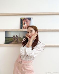 [SICABO] 200320 Jessica updated Weibo: Sy__Jessica: Just pretending it's my birthday Jessica & Krystal, Jessica Jung, Ex Girl, Just Pretend, Golden Star, Korean Entertainment, Snsd, American Singers, Girls Generation