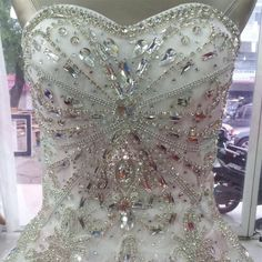 Don's Bridal Real Photos Luxury Bride Gowns 2016 Crystal Cathedral Train Off The Shoulder Ball Gown Wedding Dresses