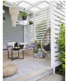 DIY outdoor wooden privacy fences