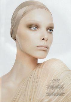 David Sims / Vogue Paris November 2006. beauty | editorial makeup #makeupartist