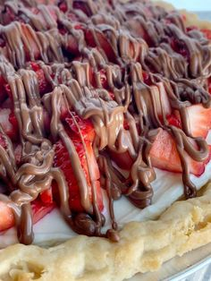 Strawberry Cream Pie in a flaky pie crust, sweet creamy layer, fresh strawberries, and a milk chocolate drizzle. Easy to make and so delicious. Strawberry Cream Pies, Strawberry Recipes, Strawberries And Cream, Pie Recipes, Mexican Food Recipes, Dessert Recipes, Cooking Recipes, Family Recipes, Salad Recipes