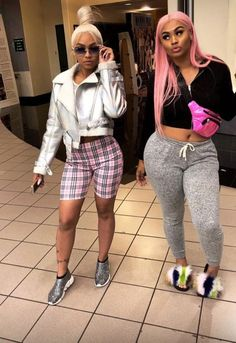 I finna look like the one on the right Go Best Friend, Best Friend Outfits, Best Friend Goals, Cuban Doll, Mma, Bff Goals, Squad Goals, Girl Fashion, Fashion Outfits