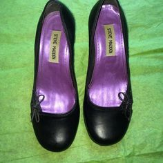 Steve Madden Shoes Cute Size 6.5 Black cute semi heeled shoes, cute and stylish.. Size 6.5 color black nice condition, hardly worn Steve Madden Shoes Heels
