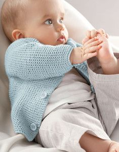 Gilet point mousse Layette Baby Clothes Patterns, Baby Knitting Patterns, Free Knitting, Clothing Patterns, Tricot Baby, Baby Cardigan, Point Mousse, Knitting Projects, Baby Dress