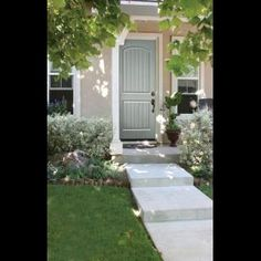 Front Door Decorating and Design Ideas Diy Exterior, Traditional Doors, Cool Sports Cars, Life Happens, Home Staging, Door Knobs, Sidewalk, Building, Things To Sell