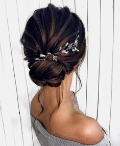 Gorgeous Wedding Hairstyles For the Elegant Bride - Updo Bridal hairstyle Featured Hair Stylish : mpobedinskaya. hairstyle Gorgeous Wedding Hairstyles For The Elegant Bride Wedding Hairstyles For Long Hair, Wedding Hair And Makeup, Gorgeous Hairstyles, Elegant Hairstyles, Short Updo Hairstyles, Short Wedding Hair Updo, Hair For Bride, Simple Bride Hairstyles, Hairstyles For Weddings Bridesmaid