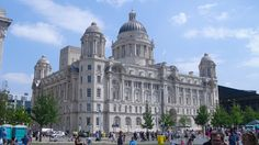 http://barryb007.myvi.net Liverpool Liver Buildings