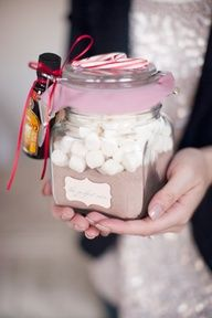 Hot chocolate jar. Might do this in a Pringles can decorated with some Christmas-y scrapbook paper.