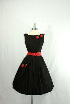 kathyoinspirations:    mmmmm…strawberries…  vintage 1950s dress from vintage frocks of fancy @Michaelann @Etsy