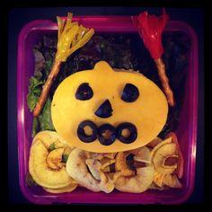 Week 6 lunch: Jack O' Lanterns from lunchboxdad.com. #bento #kidslunches #halloween