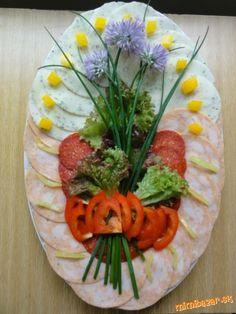 Obložené misy...kreácie mojej dcéry.... | Mimibazar.sk Deco Fruit, Food Garnishes, Food Art, Catering, Food Decorating, Mexican, Ethnic Recipes, Beautiful Flowers, Salads