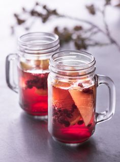 Joulusangria Christmas Feeling, Christmas Is Coming, Fancy Drinks, Cocktail Drinks, Christmas Hacks, Christmas Time, Christmas Inspiration, Food Inspiration, Xmas Desserts