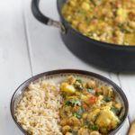 Easy Cauliflower & Chickpea Curry {easy   oil-free}   Cyber Monday Ebook SALE! sweetsimplevegan.com