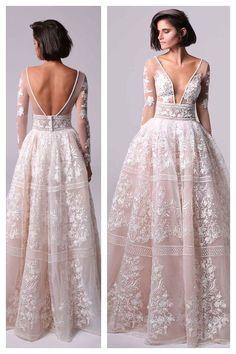 Menos todo el boobage y todo el - Hochzeit - Vestidos Colored Wedding Gowns, Dream Wedding Dresses, Bridal Dresses, Bridesmaid Dresses, Prom Dresses, Dream Dress, Wedding Styles, Beautiful Dresses, Designer Dresses