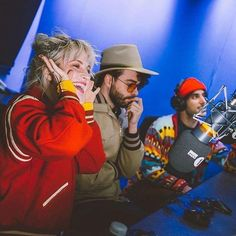 Paramore and Nick Grimshaw for BBC Radio 1 Hayley Paramore, Paramore Hayley Williams, Avril Lavigne, Music Love, Music Is Life, Taylor York, Pierce The Veil, Music Bands, So Little Time