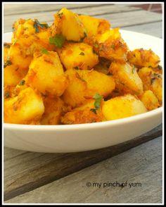 Cumin Potatoes Or Jeera Aloo Indian Side Dishes, I Foods, Indian Food Recipes, Sweet Potato, Easy Meals, Potatoes, Vegetables, Hot, Potato