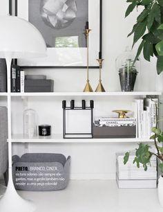 Preto e branco na decoração. Veja mais: http://www.casadevalentina.com.br/blog/materia/black-friday-irresist-vel.html  #decor #decoracao #details #detalhes #black #white #preto #branco #casadevalentina #blackfriday