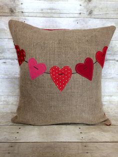 Red Valentine Heart Banner on Tan Burlap Pillow by Bella Gre Vintage Burlap Pillows, Sewing Pillows, Decorative Pillows, Throw Pillows, Burlap Crafts, Fabric Crafts, Sewing Crafts, Sewing Projects, Pillow Crafts