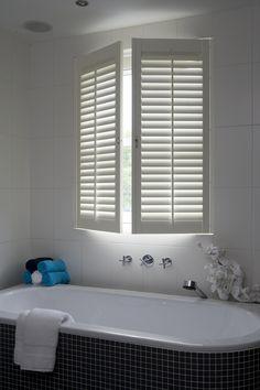 ook voor draai kiepraam | raamdecoratie | pinterest | shutters, Badkamer