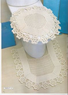Part of bathroom set Crochet Flower Patterns, Crochet Stitches Patterns, Crochet Home, Knit Crochet, Crochet Decoration, Thread Work, Dog Sweaters, Crochet Slippers, Bathroom Sets
