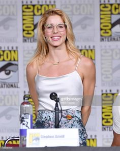 Emily Bett Rickards speaks onstage at the 'Arrow' Special Video Presentation and Q&A during Comic-Con International 2018 at San Diego Convention Center on July 2018 in San Diego, California. Emily Bett Rickards Bikini, Emily Rickards, Young Celebrities, Celebs, Emily Arrow, Felicity Smoke, Danielle Panabaker, Celebrity Updates, Supergirl And Flash