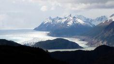 Vista desde una montaña de los glaciares en Torres del Paine. Mount Everest, Nature, Travel, Towers, Places, Naturaleza, Viajes, Destinations, Traveling