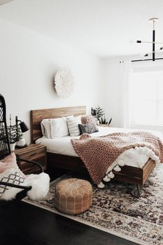 Elegant and Simple Bedroom Decors - What Is It - Home bedroom - Schlafzimmer Dream Bedroom, Home Bedroom, Master Bedroom, Bedroom Modern, Bedroom Rugs, Bedroom Rustic, Bedroom Chair, Minimalist Bedroom, Neutral Colored Bedroom