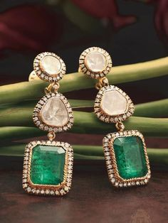 Large earrings are the newest fashion accessory trend in 2019 Emerald Diamond Set Large Earrings Diamond Jewelry, Gold Jewelry, Jewelery, Jewelry Bracelets, Diamond Stud, Diamond Bracelets, Pandora Jewelry, Diamond Pendant, Crystal Jewelry