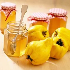 Learn how to make and prepare the recipe for Marmalatha Kythoni, also known as quince marmalade or jam. Quince Jam Recipe, Jam Recipes, Canning Recipes, Greek Recipes, Dessert Recipes, Chutneys, Quince Fruit, Chefs, Sweets
