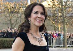 Crown Princess Mary wears the necklace and earrings at Aarhus on 8 Apr 2015 (Photo:Henning Bagger/AFP/Getty)     We've got even more prov...
