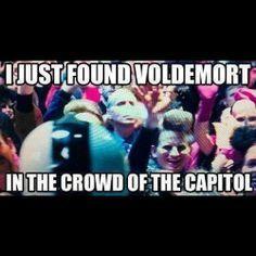 Hunger Games Memes, Hunger Games Fandom, Hunger Games Trilogy, Harry Potter Pin, Harry Potter Quotes, Tribute Von Panem, Fandom Crossover, Voldemort, Book Memes