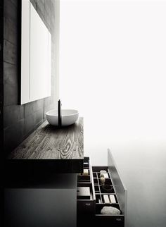 Are you looking for Washbasin Cabinets: Set Flyer by Boffi - Bathrooms? Check out the product sheet, prices and where you can buy it on Designbest. Boffi, Memphis Design, Bathroom Collections, Modern Bathroom Design, Bathroom Designs, Bathroom Ideas, Minimalist Bathroom, Shower Enclosure, Flyer