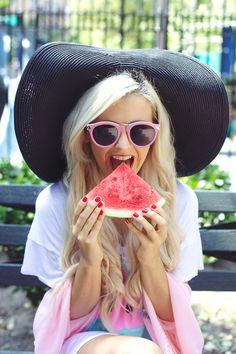 Rachel from I Hate Blonde in the Let's Getaway Hat in Black #floppyhat #oversizedhat || Get the hat: http://www.nastygal.com/accessories-hair-hats/lets-getaway-hat--black?utm_source=pinterest&utm_medium=smm&utm_term=ngdib&utm_content=clothing_optional&utm_campaign=pinterest_nastygal