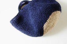 News - Marche - Lll たくさんの配色を見ていただきたいと思っています。. Crochet Stitches Free, Crochet Tote, Crochet Handbags, Crochet Crafts, Crochet Hooks, Knit Crochet, Diy Crafts, Unique Crochet, Love Crochet