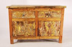 komoda drewniana, wykonana z drewna tekowego, pozyskanego z recyklingu starych łodzi