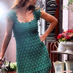 Добрый день, утро, вечер, дорогие девчата!!! Решила представить вам (наконец таки ) свою работу-платье по мотивам Ванессы М. Связала ещё осенью. но всё было некогда написать пост... Почему.