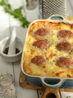 Baked Meatballs with pasta - Recipe Easy Cooking, Cooking Recipes, Kebab, Polish Recipes, Healthy Dishes, Kitchen Recipes, Food Design, Pasta Dishes, Pasta Recipes