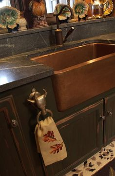 Yes, the sink is perfect. I like a hook for the kitchen towel purposefully placed.