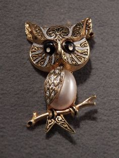 Vintage Gold Tone Magnificent Enamel & Faux Pearl Owl Brooch, Made in Spain!~~