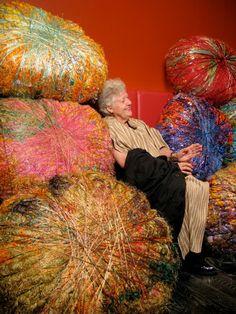 Textile Sculpture, Textile Fiber Art, Textile Artists, Soft Sculpture, Sculptures, Textiles, Sheila Hicks, Fabric Embellishment, Weaving Art