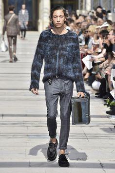 Nos 10 looks préférés de la Fashion Week Homme de Paris. Look HommeLouis  Vuitton 9ec3b9d5aff