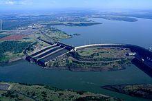 Brasil - Represa de Itaipu, la central hidroeléctrica que produce más energía en el mundo.