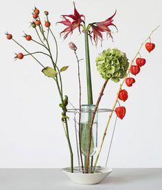 Hidden Vase by Chris Kabel