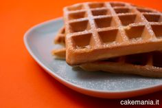 Dovete davvero provare questa ricetta waffle (o gauffre, waffel, cialda...): è facile e velocissima, da fare direttamente a tavola!