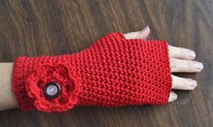 Crocheted Fingerless Gloves - All Free Crochet Pattern + Video Tutorial