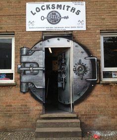 Locksmith Shop in London