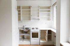 Keittiön ilme uusiutuu kaappien ovet maalaamalla.